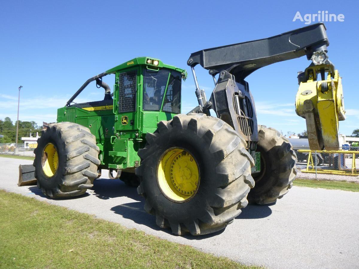 JOHN DEERE 848L šumarski traktor