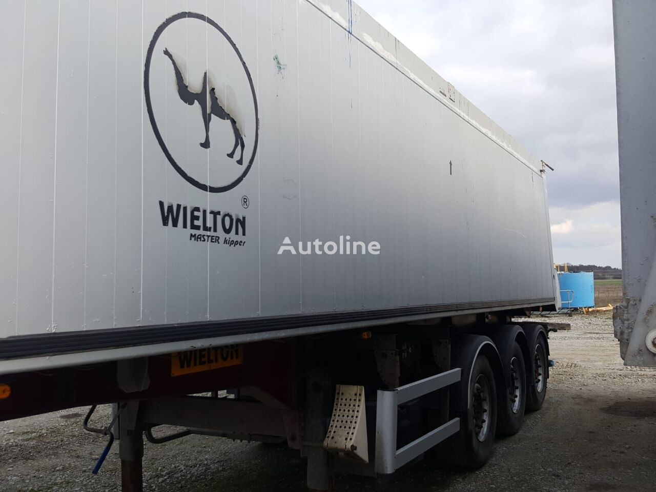 WIELTON 42M poluprikolica kipera