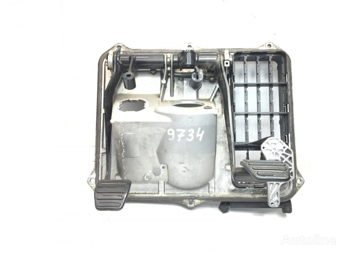Clutch-Brake Pedal with Panel papučica kvačila za MAN TGX (2007-) tegljača